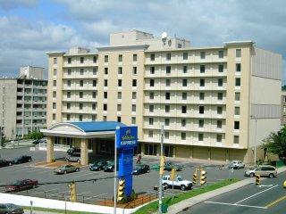 Optimum Hotel Brokerage S Holiday Inn Express In Waterbury