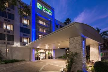 Waramaug Hospitality Completes 2 Million Renovation Of Holiday Inn Express Suites Plantation Hotel Online